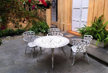 Садовая мебель из металла для зимнего сада и дачи - фото