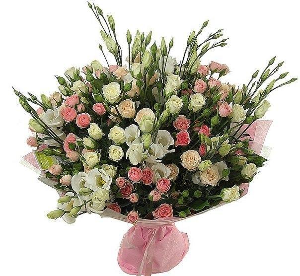 розы спрей в букете
