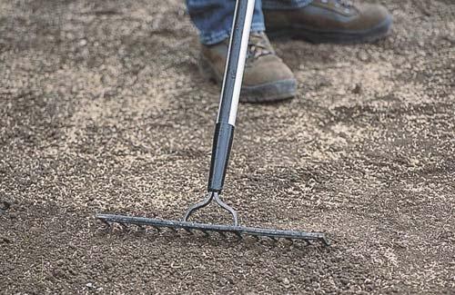 Какие удобрения надо вносить весной в почву?